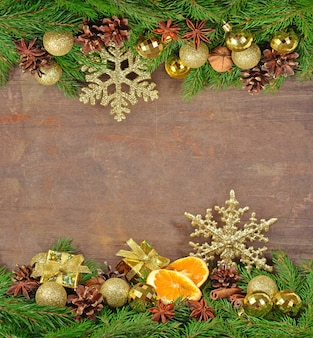 スターアニス、ナッツ、コーン、クリスマスデコレーション、スプルースブランチ