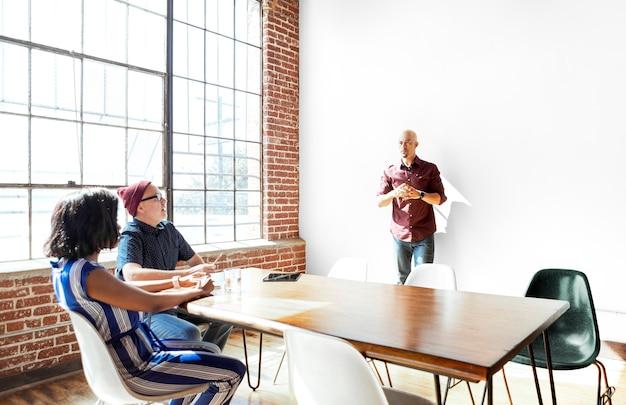 Команда стартапов, планирующая проект