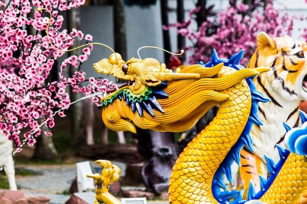 Статуя в храме тян хоу в куала-лумпуре, малайзия