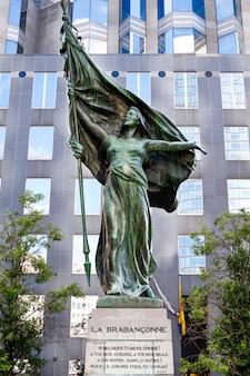 Statue de la brabanconne