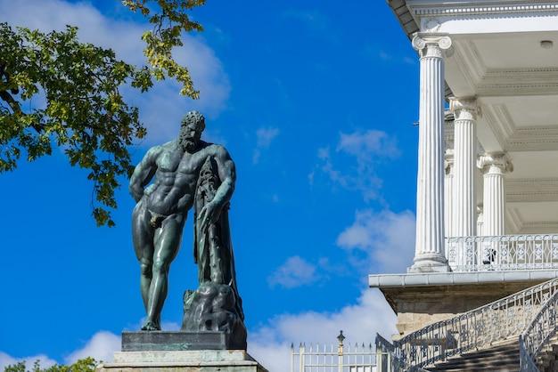 エカテリーナ宮殿の庭園の像