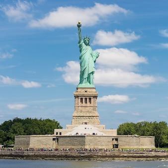 Статуя свободы, остров свободы, нью-йорк.