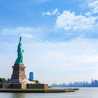 Статуя свободы нью-йорк и манхэттен сша