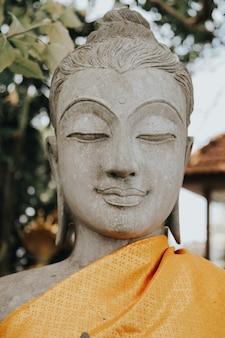 プーケットのタイのプラプッタミンモンコンアケナキリの仏像。大仏博物館のコンセプトです。