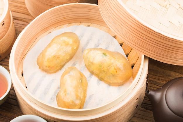 Китайские хрустальные мясные пельмени на пару