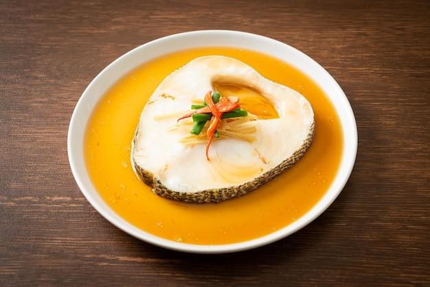 Треска на пару с соевым соусом или снежная рыба на пару