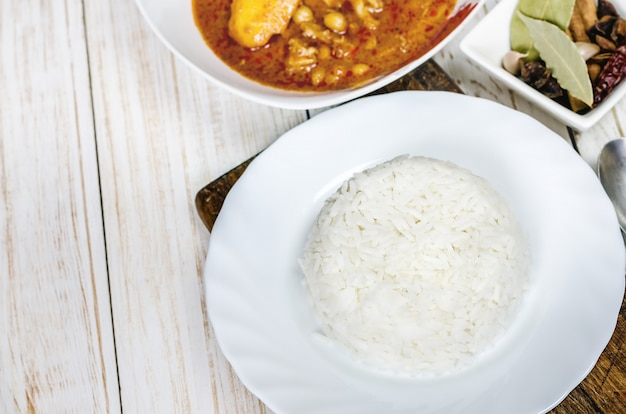 Steamed rice with massaman curry.