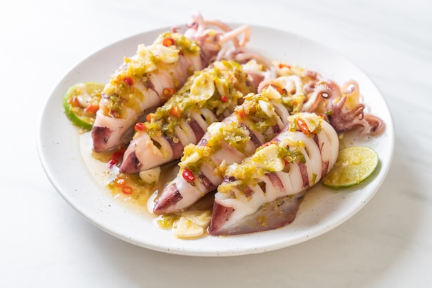 Steamed squids with spicy chili and lemon sauce