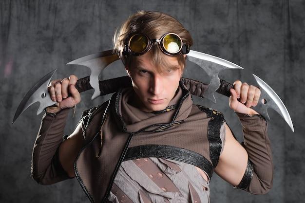 珍しい冷兵器を備えたスチームパンクまたは終末論的なスタイルのキャラクター