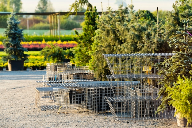 Steel mesh for artificial flowerbeds in landscaping