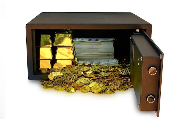 硬貨の山と金の棒と紙幣がいっぱい入ったスチール製の金庫