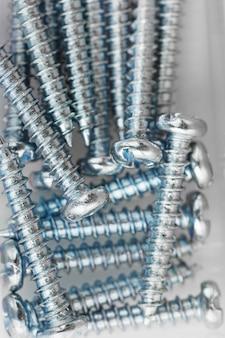 Саморезы стальные, используемые для строительства и монтажа
