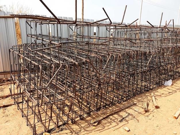 Подготовка стальной стяжки к строительству