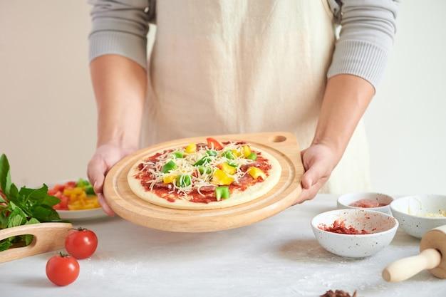 ステップバイステップのボスがピザマルゲリータを作る