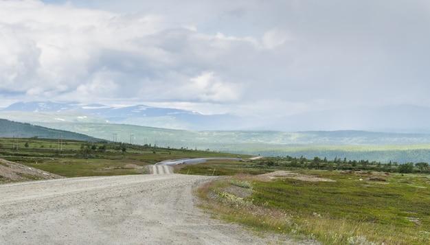 부드러운 그늘의 대초원, 언덕과 구름, jamtland, 스웨덴
