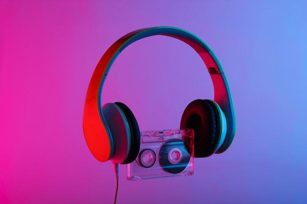 Стереонаушники с аудиокассетой