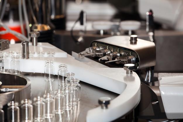 Оборудование для стерильных изоляторов, роботизированная система ассептирования