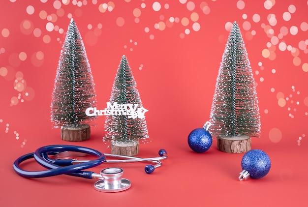 聴診器のクリスマスツリーと風船