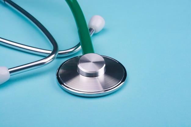 Стетоскоп для концепции медицинского инструмента для диагностики коронавирусной болезни