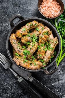 チキンネックの肉と野菜のシチュー