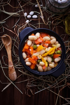 Stewed beans with vegetable