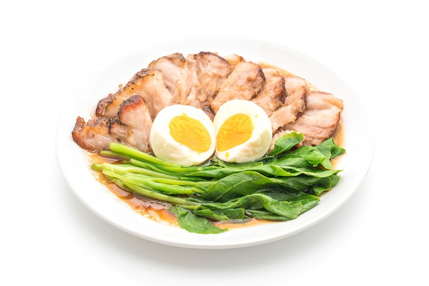 Stewed pork leg with egg and vegetable