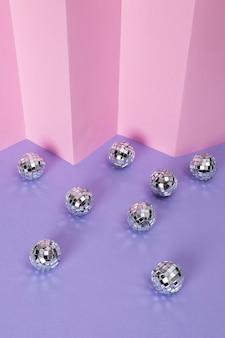 ミニチュアミラーボールの静物構成