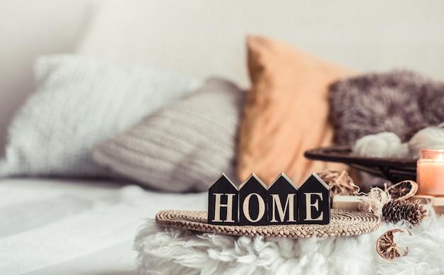 Still life home decor in una casa accogliente.