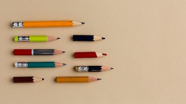 Состав школьных принадлежностей натюрморт