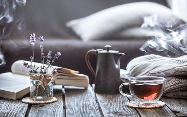 Натюрморт чаепитие в гостиной