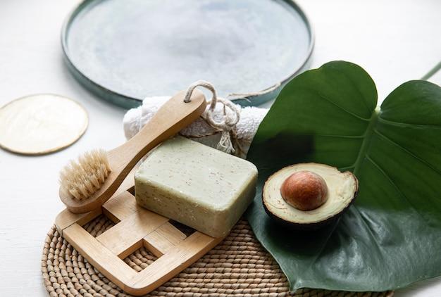 Natura morta con prodotti per la cura del corpo naturali e biologici. concetto di salute e bellezza.