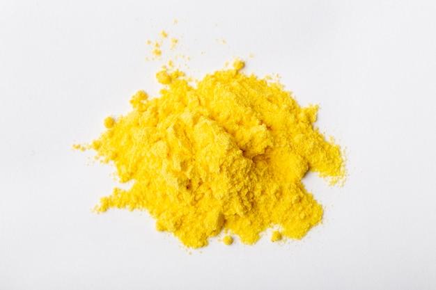 Disposizione del toner giallo di natura morta isolata