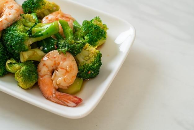 Жареная брокколи с креветками - домашний стиль еды