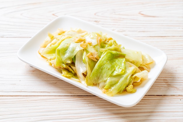 Stir-fried cabbage with fish sauce