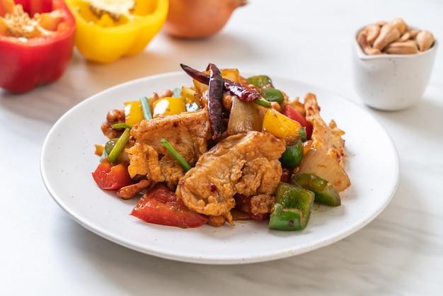 Жареная курица с орехами кешью