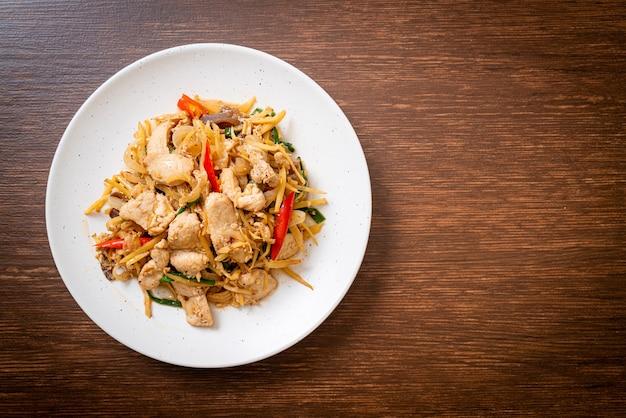 Жареный цыпленок с имбирем - азиатская кухня