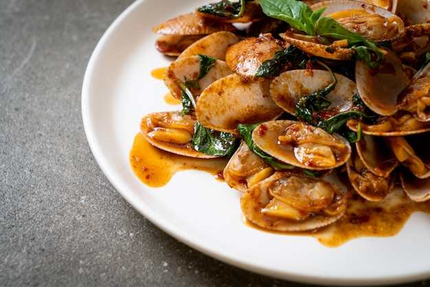 Stir fried clams with roasted chilli paste, asian food style