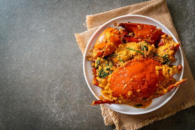 Жареный краб с порошком карри - стиль морепродуктов