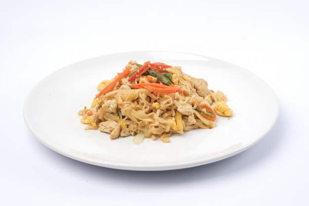 Stir fried instant noodle with chicken breast - clean food