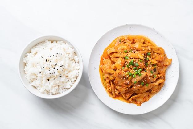 Stir fried pork with kimchi
