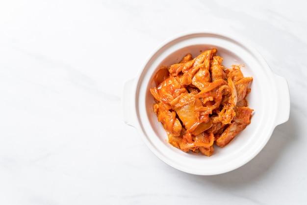 Stir-fried pork with kimchi