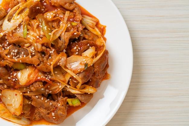 豚肉の韓国風スパイシーペーストとキムチ炒め-韓国料理スタイル
