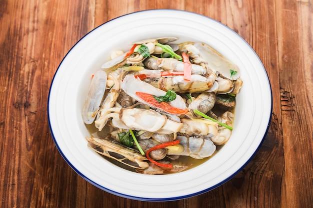 Жареные бритвенные моллюски китайской кухни