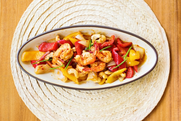 Stir fried shrimp with cashew nut