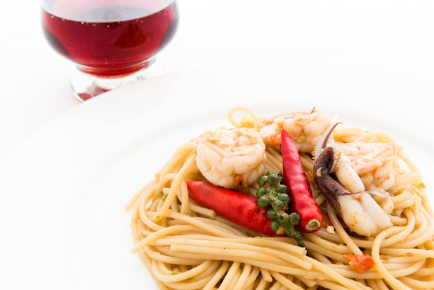 Stir fried spicy spaghetti with seafood