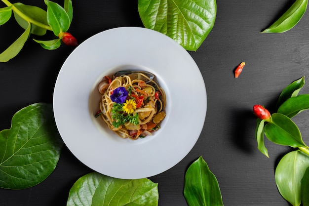 Stir-fried spicy spaghetti with seafoods