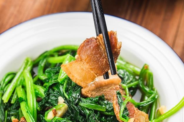 Stir fried spinach with lard