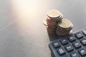 スタックコインと計算機で株式財務指標。