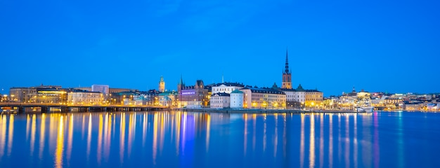 Stockholm cityscape skyline with view of gamla stan at night in stockholm, sweden