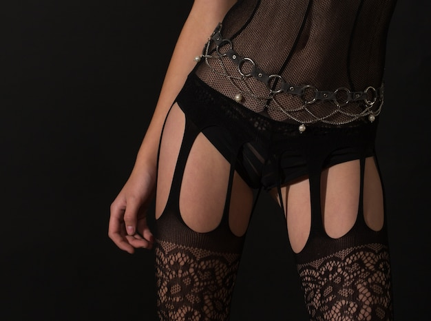 스타킹 다리. 스타킹 섹시. 속옷, 속옷, 속옷, 밑줄. 섹시 한 여성 그림입니다. bdsm. 섹시한 여자. 팬티 소녀입니다. 벗기는 사람.